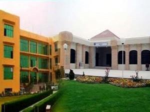 CECOS University
