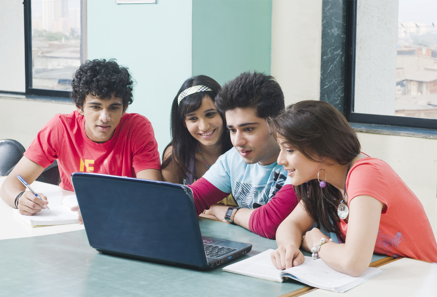 Which university is best for MBA in Chennai